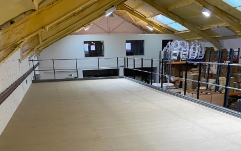 Mezzanine floor in small building site